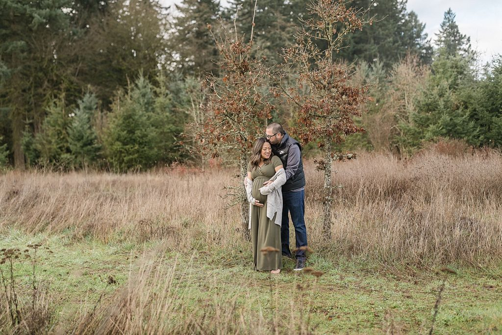 Maternity photos in Graham Oaks Nature Park in Oregon by Amanda Meg Photography